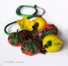 Свершение, кулон с яблоками и тыквами, ягодные украшения, авторские украшения/ pumpkins apples jewelry, berryjewelry, pendant with pumpkins and apples