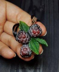 Jewelry with raspberries, pendant with raspberries, jewelry with berries, handmade berries, wedding jewelry / Украшения с малиной, кулон с малиной, украшения с ягодами, ягоды ручной работы, свадебные украшения