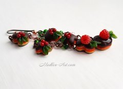 earrings with cakes and berries, doll miniature, food miniature, delicious earrings, berry jewelry / серьги с пирожными и ягодами, кукольная миниатюра, миниатюра еды, вкусные серьги, ягодные украшения