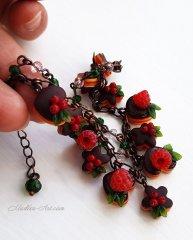 bracelet with cakes and berries, doll miniature, food miniature, delicious bracelet, berry jewelry, bracelets with berries / браслет с пирожными и ягодами, кукольная миниатюра, миниатюра еды, вкусный браслет, ягодные украшения, браслеты с ягодами