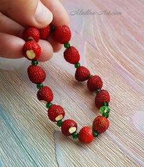 bracelet with strawberries, berry bracelets, jewelry with strawberries, jewelry with berries, strawberries, handmade berries / браслет с земляникой, ягодные браслеты, украшения с земляникой, украшения с ягодами, земляника, ягоды ручной работы